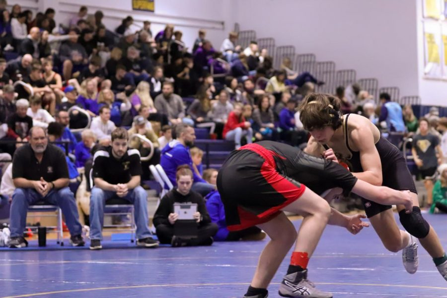 Freshman Boys Wrestling Takes on GAC Tournament [Photo Gallery]
