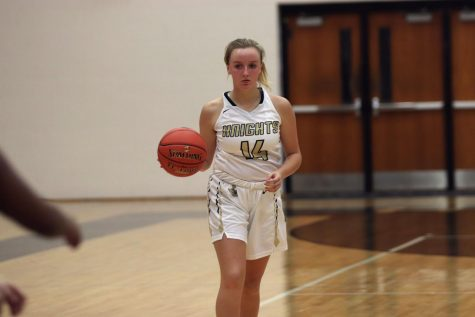 Junior Becka Brissette Continues to Thrive on FHN Basketball Team