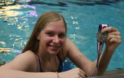 Senior Joanna Dohrman Pursues Swimming In College