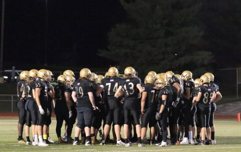 Varsity Football Falls to Fort Zumwalt East on Senior Night [Photo Gallery]