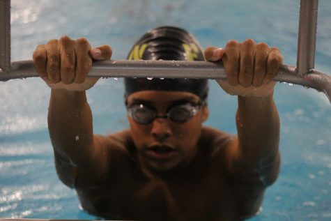 Boys Varsity Swim Dual Meet v.s FZS [Photo Gallery]