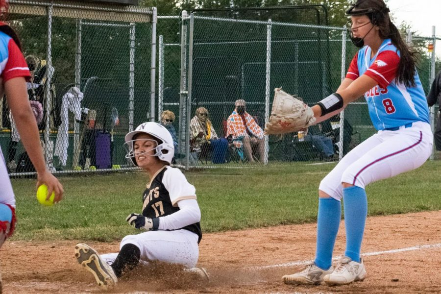 FHN Varsity Softball Defeats Liberty High [Photo Gallery]