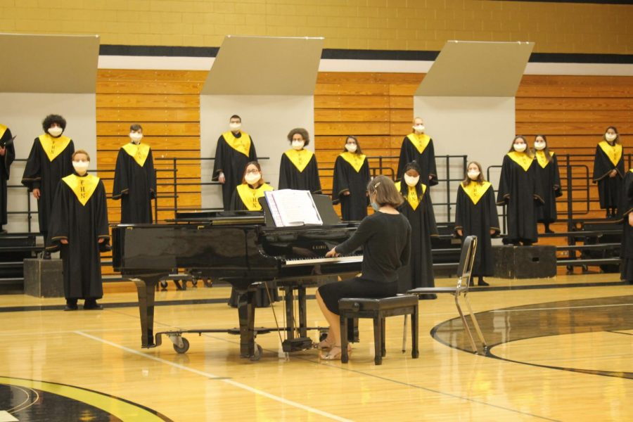FHN Choir Celebrates the Winter Season with a Concert [Photo Gallery]