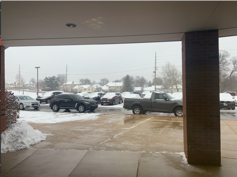 FHN experienced a snowy morning, making the parking lot a potentially dangerous place for student drivers. To remedy this, FHSD pushed the early release Wednesday back to the normal release at 2:20 p.m.