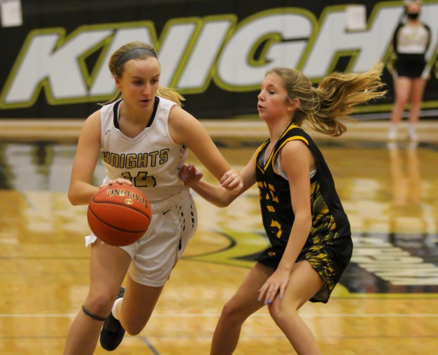Girls Varsity Basketball Defeats Zumwalt East in a Runaway Game [Photo Gallery]