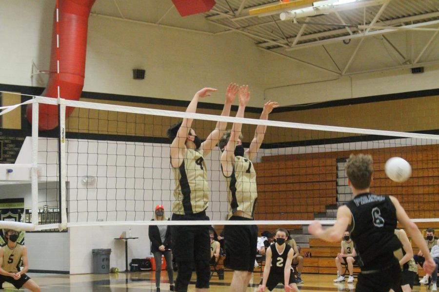 Boys Varsity Volleyball take on Pattonville Pirates [Photo Gallery]