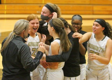 Varsity Girls Basketball Edges Out FZW to Advance in Districts [Photo Gallery]