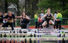 Track Competes in Fort Zumwalt North Invitational [Photo Gallery]