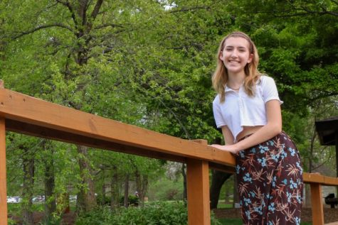 Sophomore Lauren Holzwarth Repurposes Unwanted Clothes