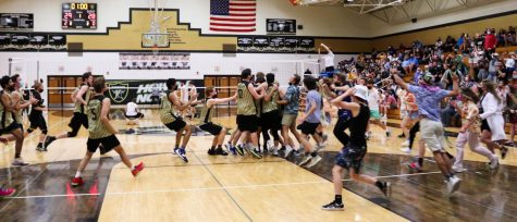 Boys Volleyball Takes the District Championship in a Sweep vs. Vianney [Photo Gallery]