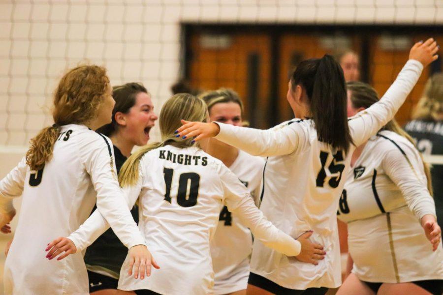 Watch Varsity Girls Volleyball Defeat Washington [9/09/21]