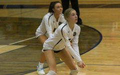 Varsity Girls Volleyball Play in Districts [Photo Gallery]
