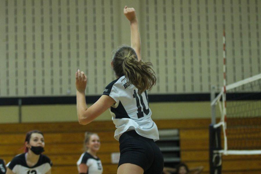 C-Team Girls Volleyball Wins Against Fort Zumwalt South [Photo Gallery]