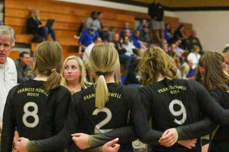 Varsity Volleyball loses to FHHS [Photo Gallery]