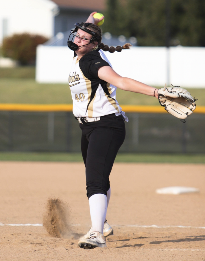 Girls Varsity Softball Team is on a Roll and Makes it to Districts