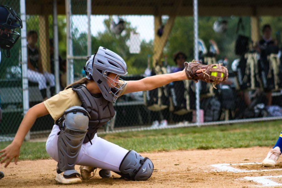 Varsity Softball Falls to FHHS [Photo Gallery]