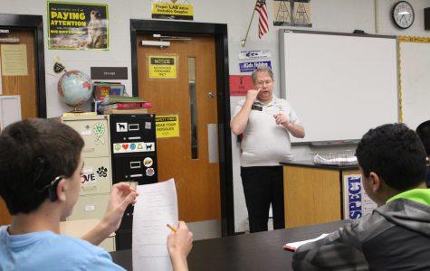 Interpreter Tom Skinner Helps FHN Students