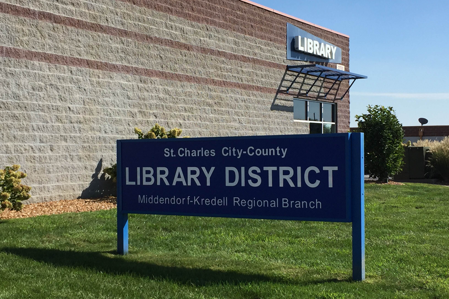 Middendorf-Kredell+library+is+one+of+many+libraries+NHS+members+can+volunteer+at+in+the+St.+Charles+Library+District.