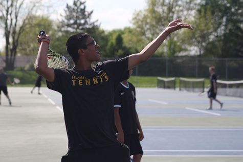 Seniors Standout in Varsity Tennis Match Against Parkway South [Story and Highlight Video]