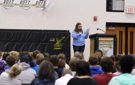 5/4 Senior Graduation Practice [Photo Gallery]