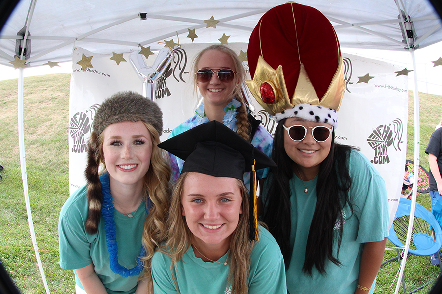 8-12 Black and Gold Day Photo Booth [Photo Gallery]