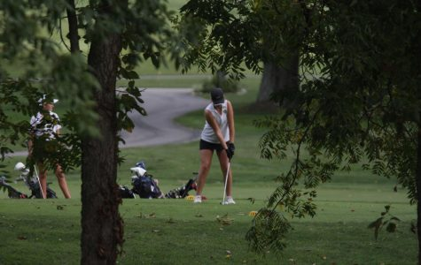 Varsity Seniors Jessica Qian and Brianna Schmidt Work to Advance to State